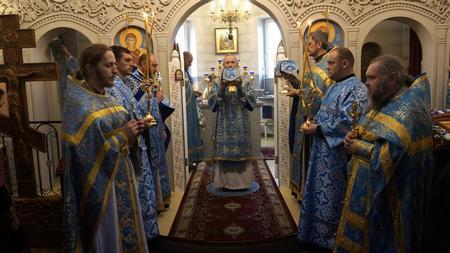 Архиерейская литургия в Неделю о Блудном сыне